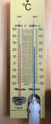 乾湿度計:室内の湿度により水の蒸発が変わる