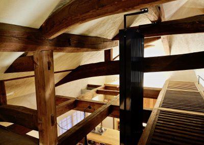 ダイニングと屋根裏部屋用の常時輻射冷暖房設備